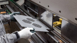 Processo piega lamiera acciaio 3mm 3
