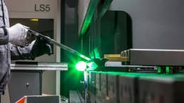 Processo piega lamiera acciaio 3mm 4